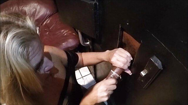 الأمين مدرب في اسماء افلام اباحية اجنبية حالة سكر و يمارس الجنس معه
