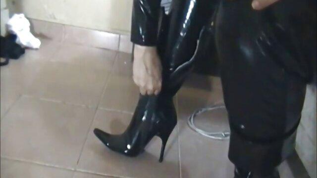 نحيل فتاة تلال يتم رفع الجنس من قبل افلام اجنبيه رومانسيه اباحيه اثنين من سلالات الخيل