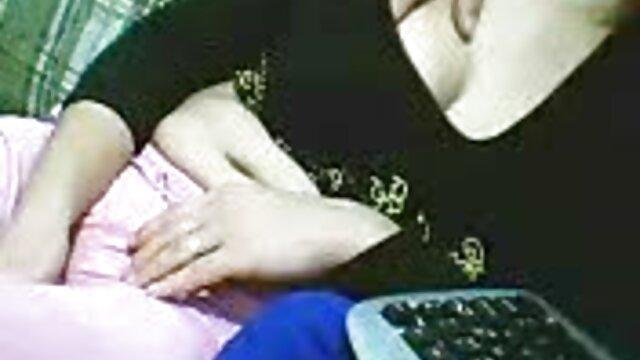 الطفل العراة صورة مع المارة في اباحيه اجنبي الأماكن العامة