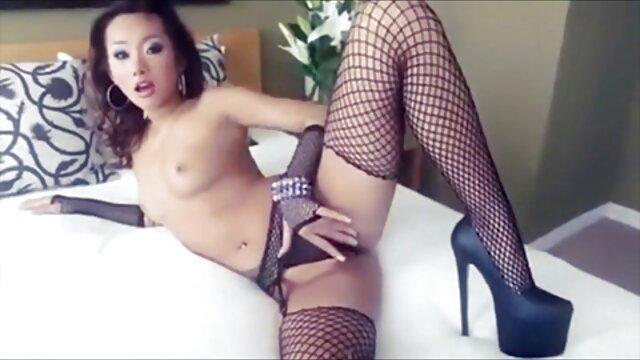 امرأة ماهرة سوداء اللسان على سرير كبير افلام اجنبيه اباحيه ممنوعه من العرض