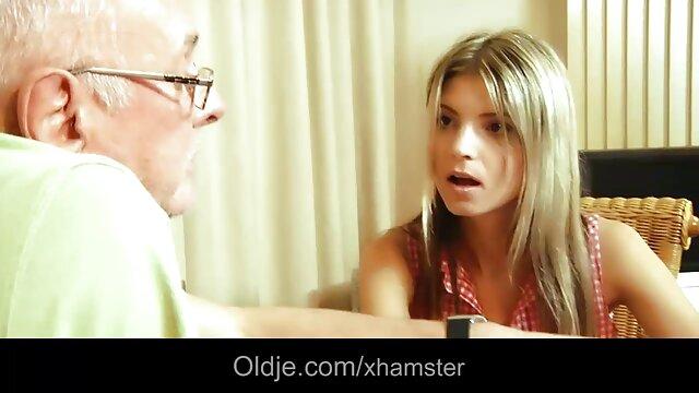 روسية جميلة في جوارب افلام اباحيه اجنبيه طويلة يرضي فتاة شابة