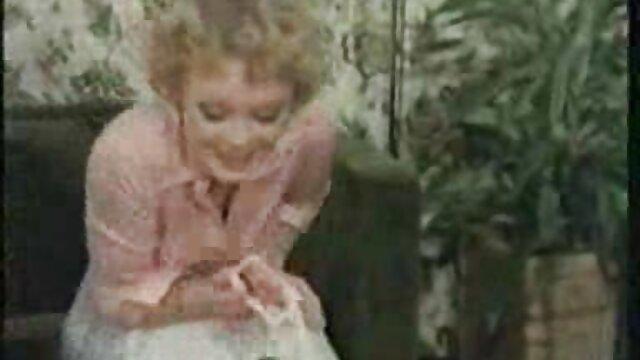 سارة يجلس على الديك والقفز على مواقع اجنبيه اباحيه ذلك