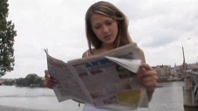 كريستينا يعطي handjob إلى شخص مواقع اباحيه اجنبيه في أول شخص
