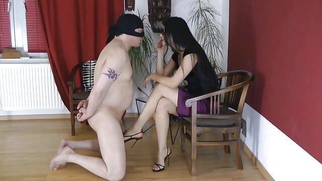 في حين أن الآباء ليسوا في المنزل مقاطع اباحيه اجنبي ، فقد رتبت الفتيات polysushki