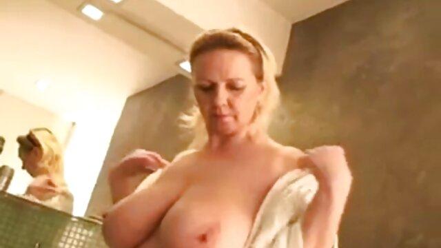 تسلق إلى شريط الفتاة الملاعين مع آلة الجنس افلام اباحة اجنبية