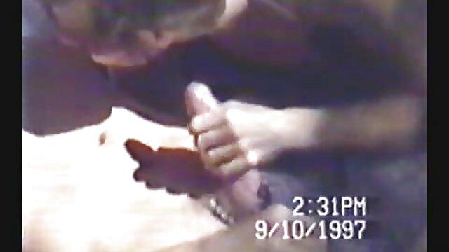تصورها فتاة تلعب معها افلام اجنبية اباحية سكس L. على الكاميرا
