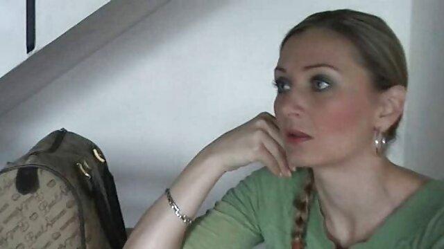 الفتاة الروسية يظهر لها ضخمة افلام اباحيه سكس اجنبي Zú