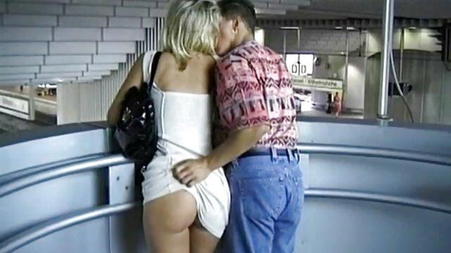 دفع المنظار إلى الرجل واستخدمه كمنفضة سجائر افلام اباحيه اجنبى
